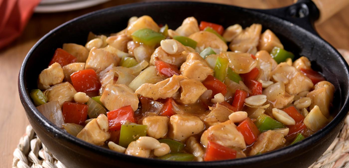 Experimente a receita de frango à moda oriental