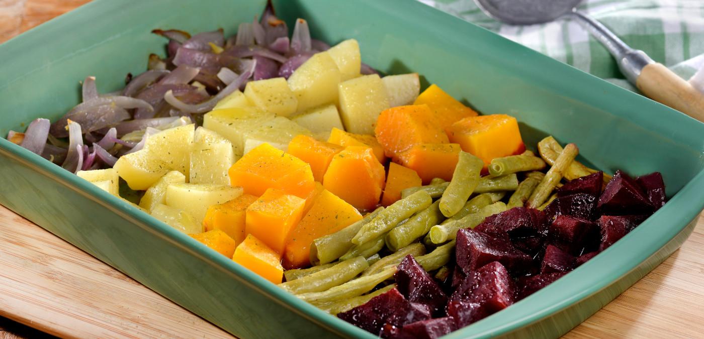 legumes assados rústicos coloridos