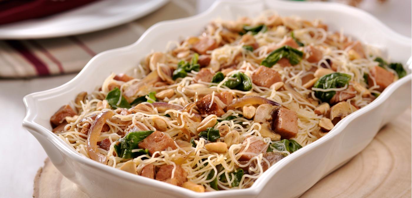 macarrão de arroz com tender