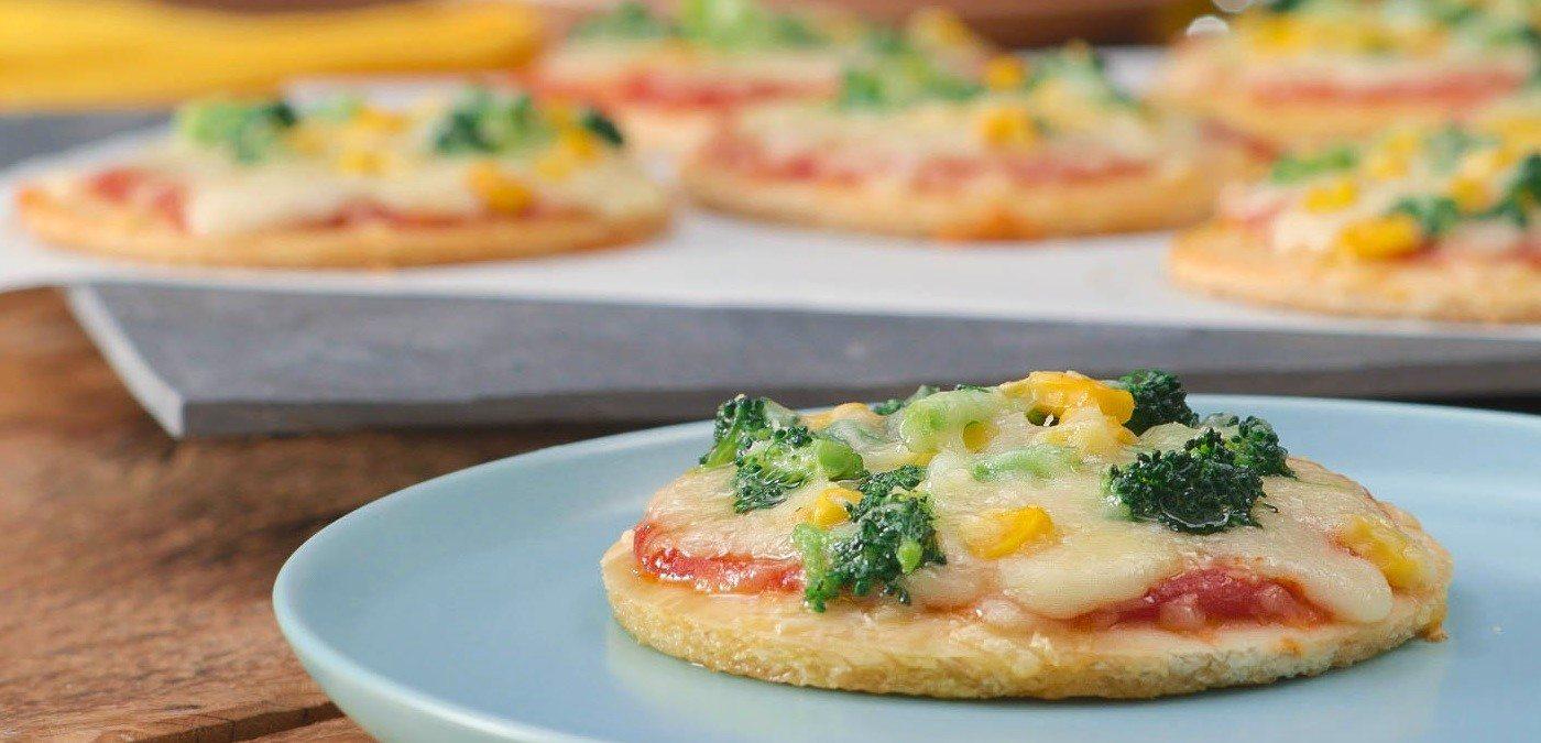 Mini Pizza de Brócolis com Milho