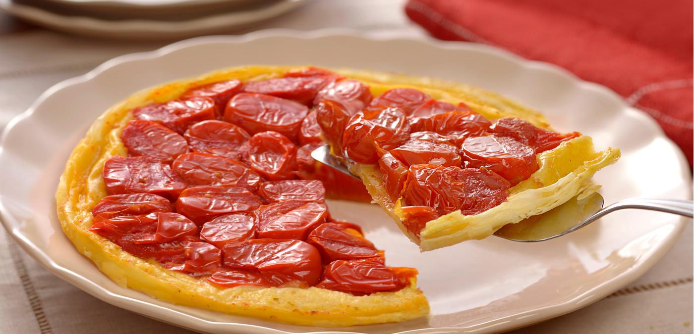 torta aberta de tomate para a ceia de natal