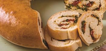 Surpreenda todos em casa com o delicioso pão recheado especial