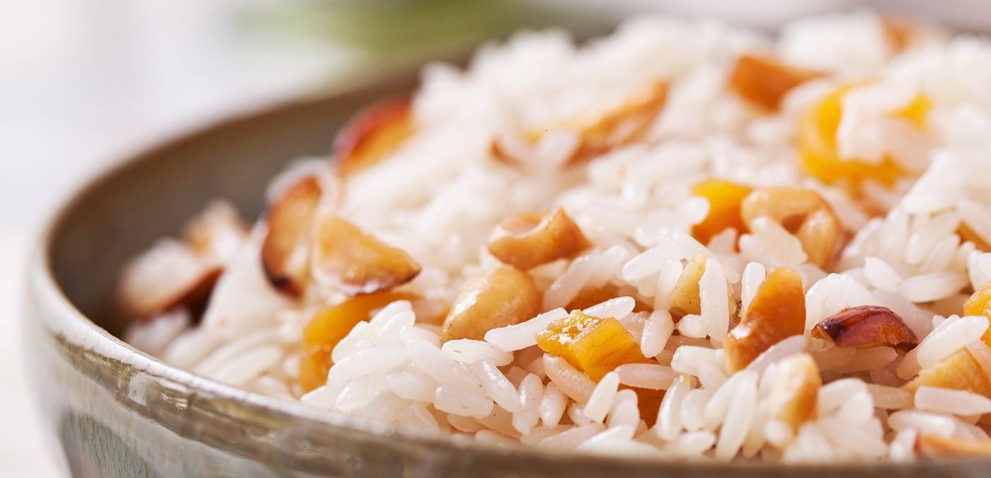 http://www.saboresajinomoto.com.br/receita/arroz-com-frutas-secas-e-vinho-branco