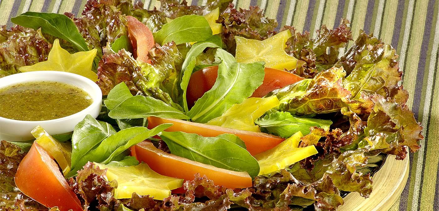 prato com salada ao molho  agridoce